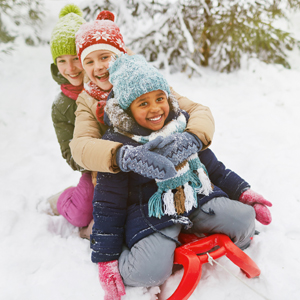 kids-sledding